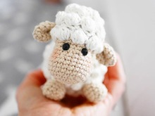 Crochet pattern lamb Hope
