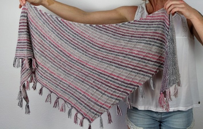 "Knitting pattern shawl ""Mika"""