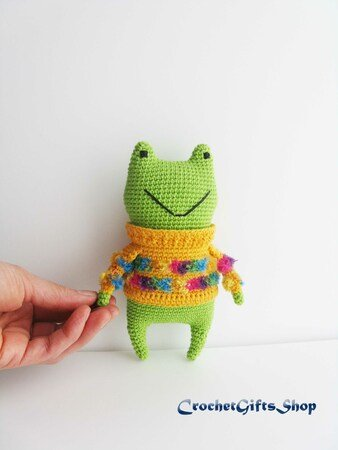 Fritz the Frog amigurumi pattern - Amigurumipatterns.net | 450x338