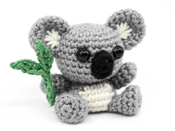 Safari Ladies Amigurumi Free Crochet Patterns | 450x600