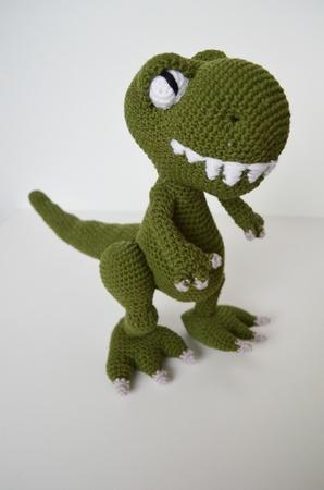 Timothy the T-rex amigurumi pattern - Amigurumipatterns.net | 450x298