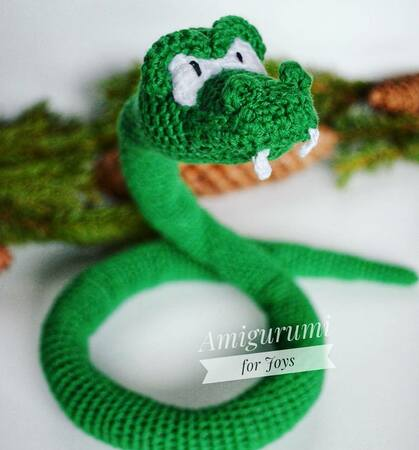 Incredible Snake Amigurumi … Realistic Reptile is an ... | 450x419