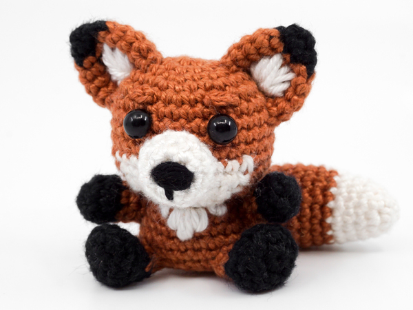 Crochet fox amigurumi pattern | Amigurumi Space | 450x600