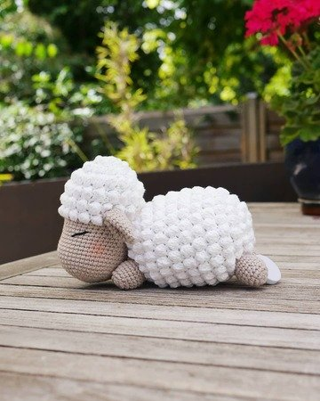 Crochet pattern lamb Frieda with music box