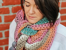 Easy crochet triangle scarf pattern