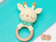 Giraffe rattle crochet pattern
