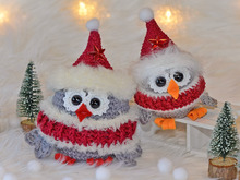 "Winter owls ""Piep"" in two sizes"