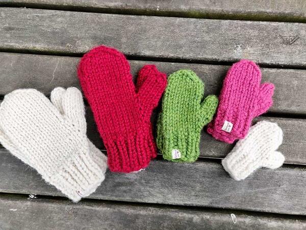Pattern Family Set Bulky Knit Mittens