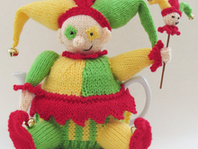 Court Jester Tea Cosy Knitting Pattern