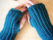 "Pattern Crocheted fingerless gloves ""Simply Cozy"""