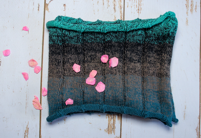 Loop Shawl Trace Knitting Pattern
