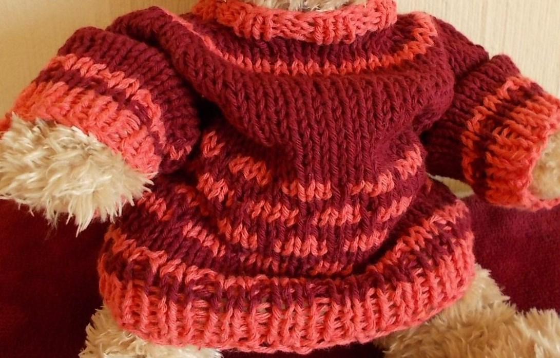 e83c7a2d7a Zur Strickanleitung für den Raglanpulli für Bären und Puppen (25-30 cm) -  hier klicken