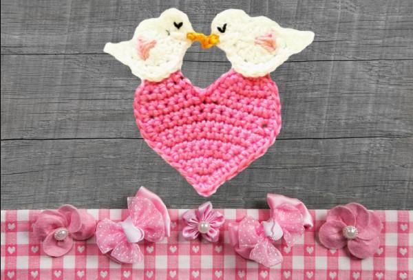 Heart crochet appliqué pattern