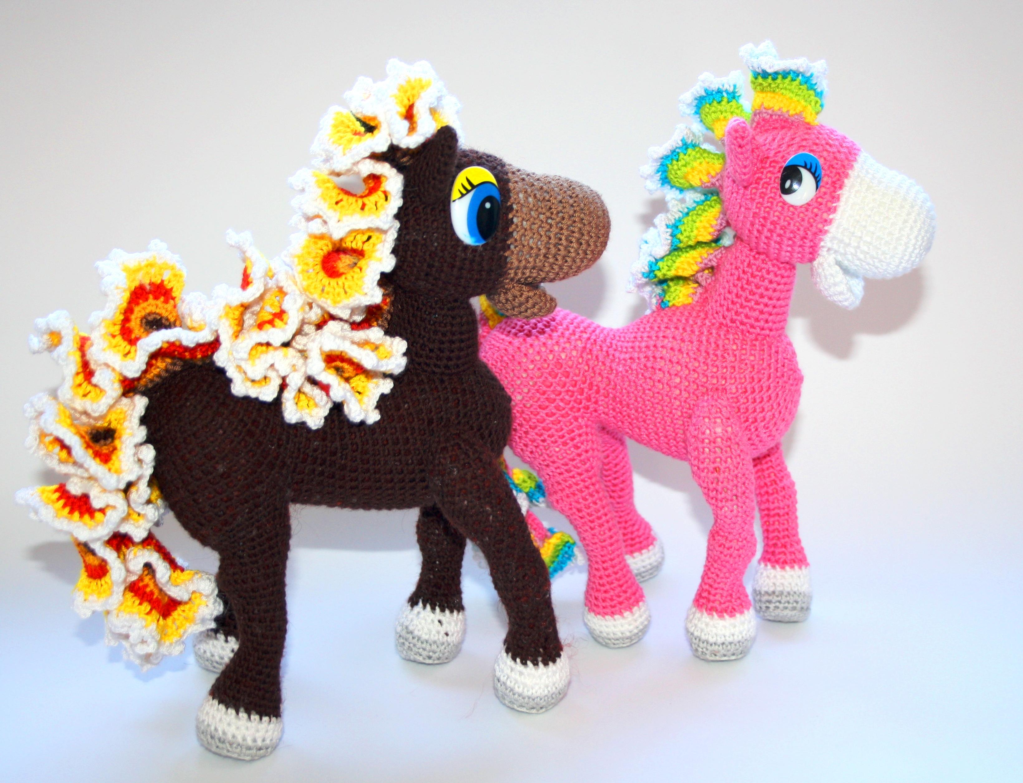 Heidi the Horse Free Amigurumi Pattern | Jess Huff | 2511x3282